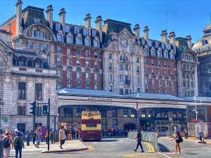 victoria station london t20 pRb19j